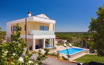 Brand new and modern villa with pool and sauna near Fažana