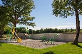Villa Green Frame