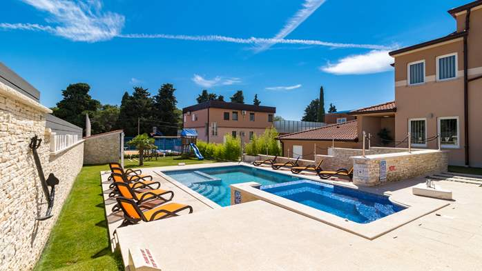 Enchanting villa with pool, finnish sauna, jacuzzi and gym, 6