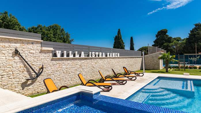 Enchanting villa with pool, finnish sauna, jacuzzi and gym, 8