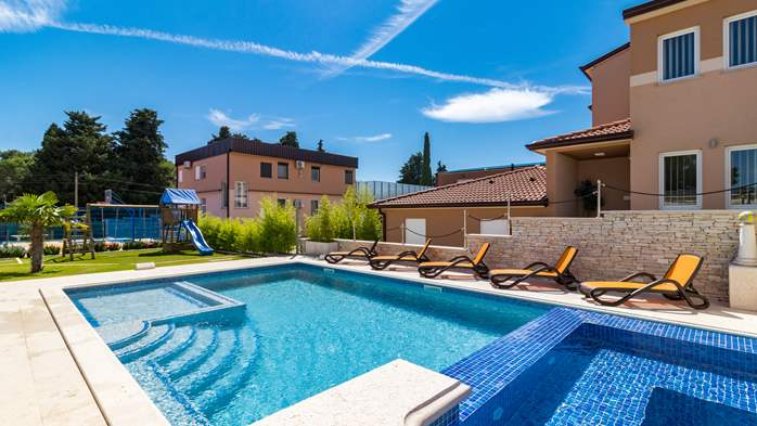 Enchanting villa with pool, finnish sauna, jacuzzi and gym, 9
