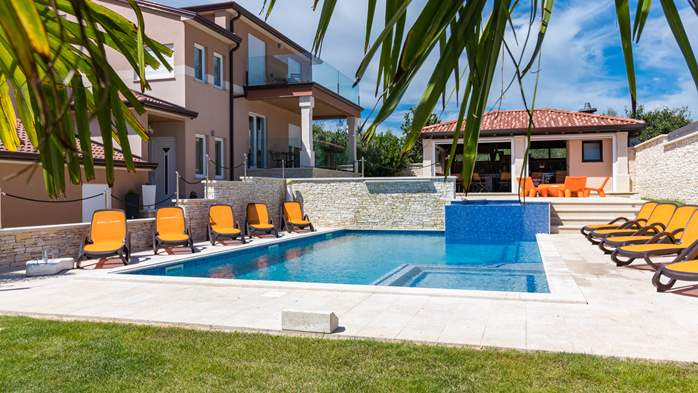 Enchanting villa with pool, finnish sauna, jacuzzi and gym, 11