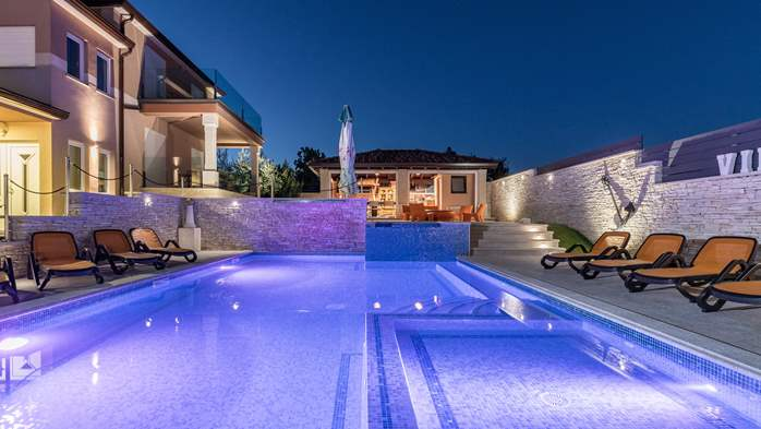 Enchanting villa with pool, finnish sauna, jacuzzi and gym, 1
