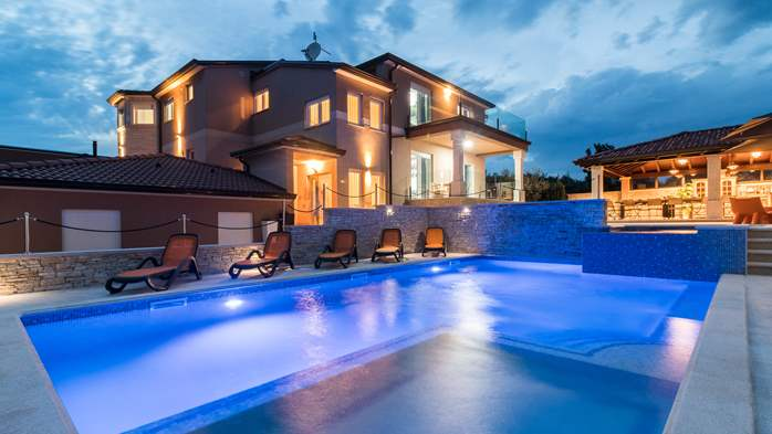Enchanting villa with pool, finnish sauna, jacuzzi and gym, 5