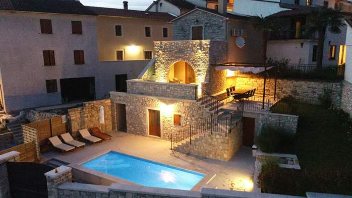 Charming villa with heated pool in the heart of Istria, 2