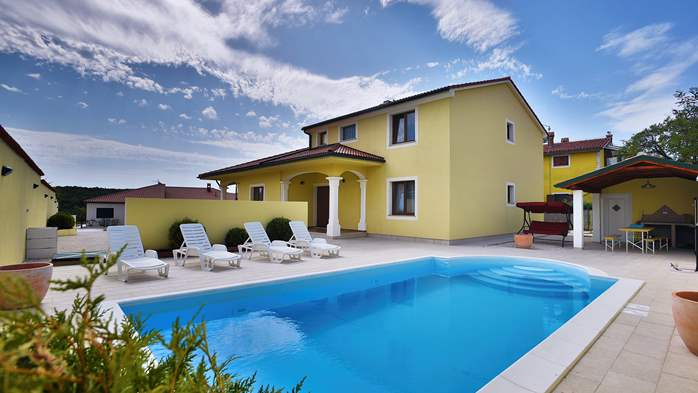Villa near Vodnjan, with private pool, terrace, barbecue, WiFi, 18