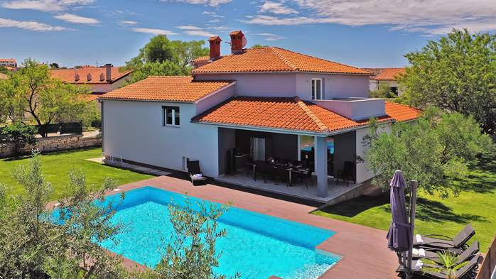 Outstanding villa with heated pool, air conditioning and WiFi, 8