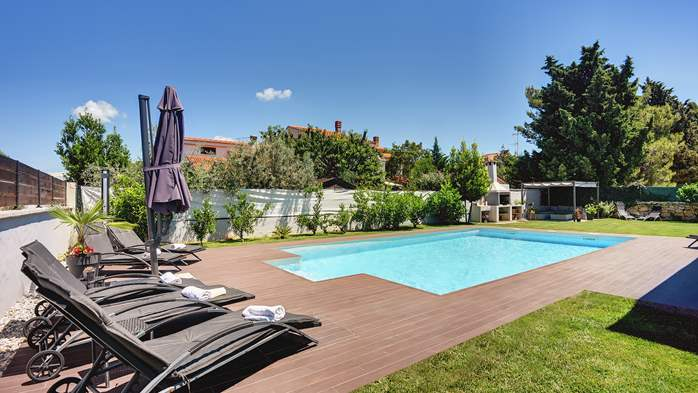 Outstanding villa with heated pool, air conditioning and WiFi, 9