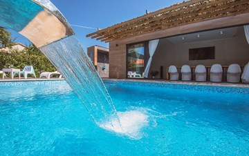 Marvelous villa in Banjole with pool, sauna, gym and free WiFi