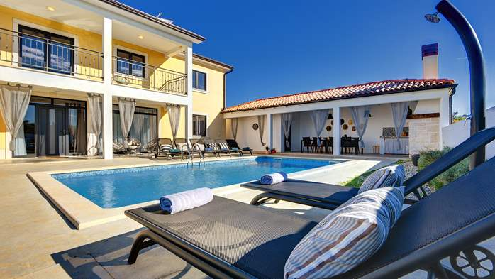 Graciously decorated two storey villa, with pool and terrace, 10
