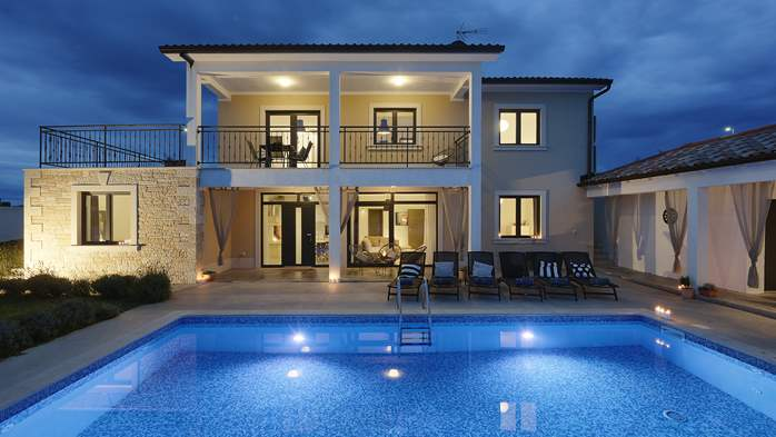 Graciously decorated two storey villa, with pool and terrace, 3