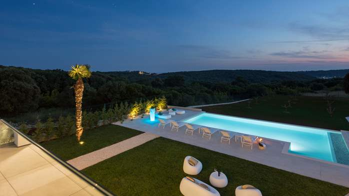 Stylish villa with heated pool near Pula, with wine cellar, 2