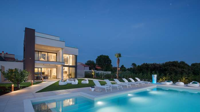 Stylish villa with heated pool near Pula, with wine cellar, 1