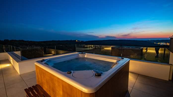 Stylish villa with heated pool near Pula, with wine cellar, 26