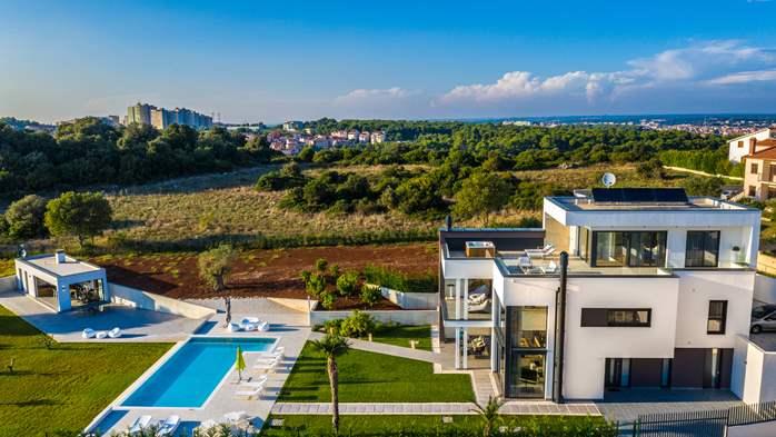 Stylish villa with heated pool near Pula, with wine cellar, 15