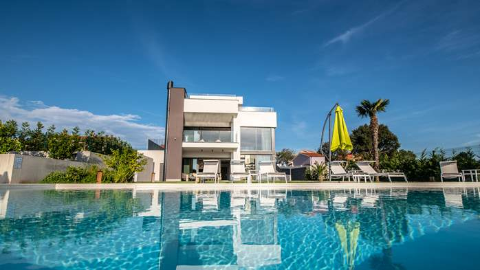 Stylish villa with heated pool near Pula, with wine cellar, 13