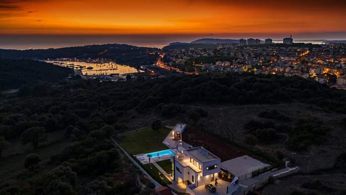 Stylish villa with heated pool near Pula, with wine cellar, 7