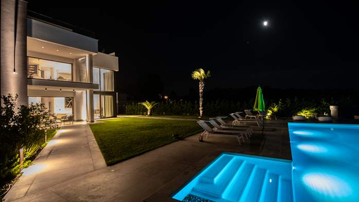 Stylish villa with heated pool near Pula, with wine cellar, 3