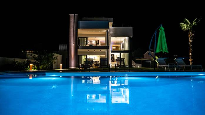 Stylish villa with heated pool near Pula, with wine cellar, 4