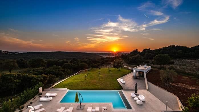Stylish villa with heated pool near Pula, with wine cellar, 6