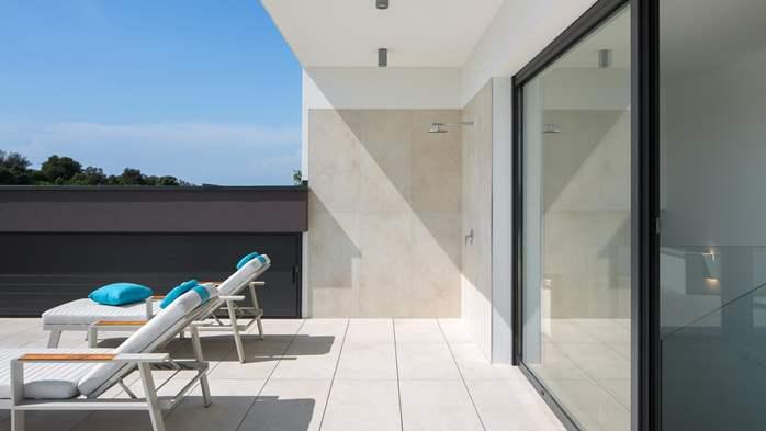 Stylish villa with heated pool near Pula, with wine cellar, 23