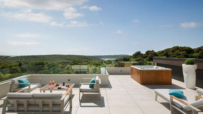 Stylish villa with heated pool near Pula, with wine cellar, 25