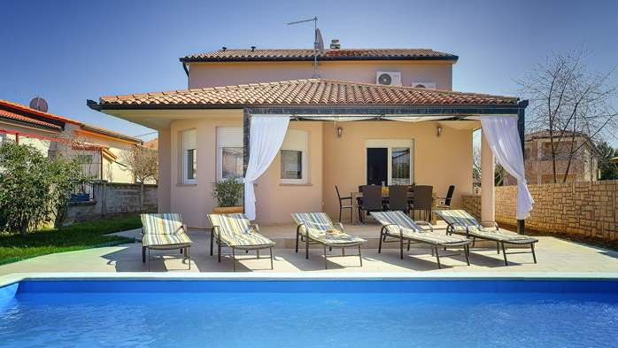 Gorgeous villa in Valbandon, with pool, barbecue and bikes, 1