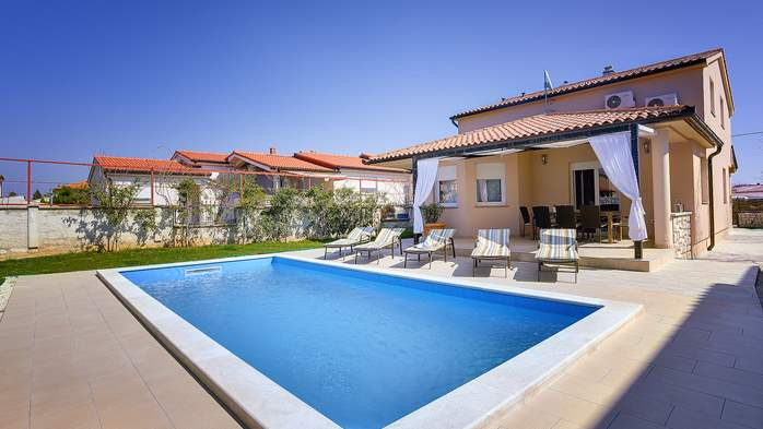 Gorgeous villa in Valbandon, with pool, barbecue and bikes, 2