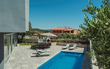 Wonderful newly built villa in Ližnjan, with private pool and BBQ