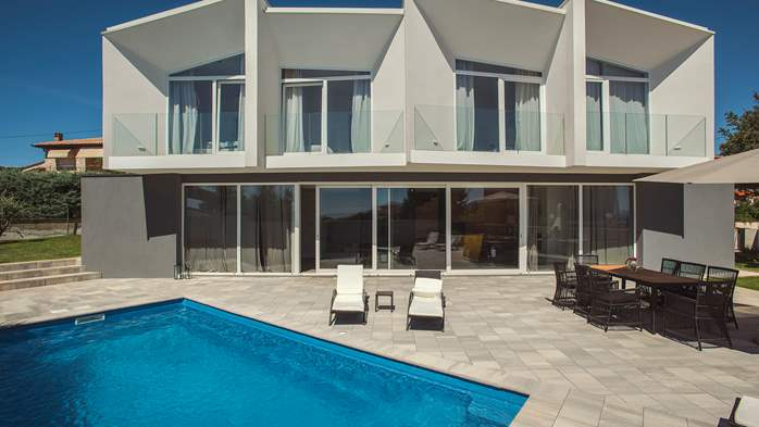 Wonderful newly built villa in Ližnjan, with private pool and BBQ, 4