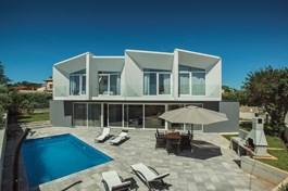 Villa Yania