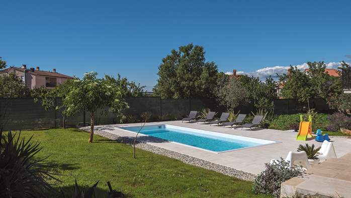 The house in Štinjan offers accommodation with pool, 17