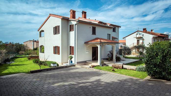 The house in Štinjan offers accommodation with pool, 20