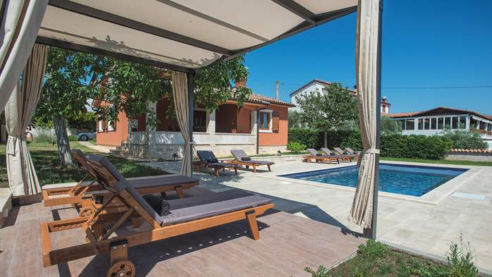 Charming villa with outdoor pool, nice garden and tavern, 7