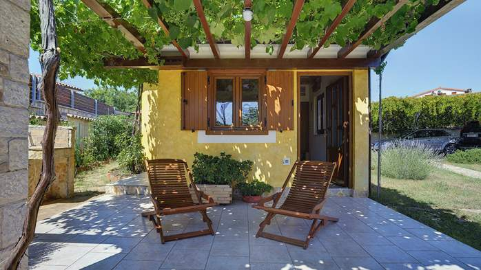Charming villa with outdoor pool, nice garden and tavern, 10
