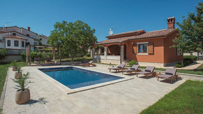 Charming villa with outdoor pool, nice garden and tavern, 4