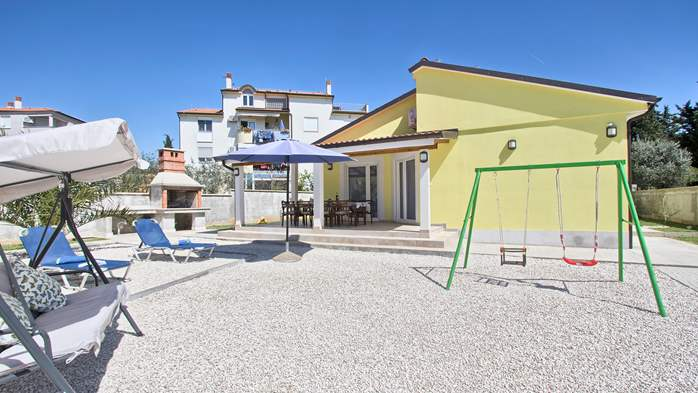 House near the sea in Medulin offers a private yard with BBQ, 4