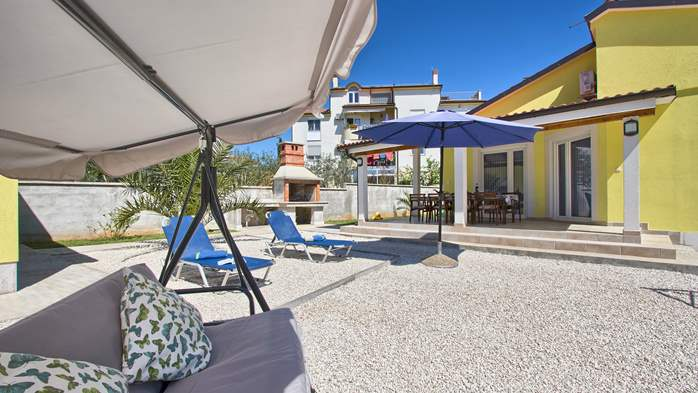 House near the sea in Medulin offers a private yard with BBQ, 3