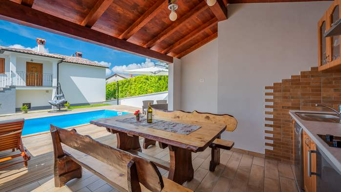 Beautiful house with pool offers accommodation for 4-6 persons, 14