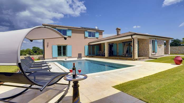 Outstanding villa  with private pool, spacious garden and BBQ, 1