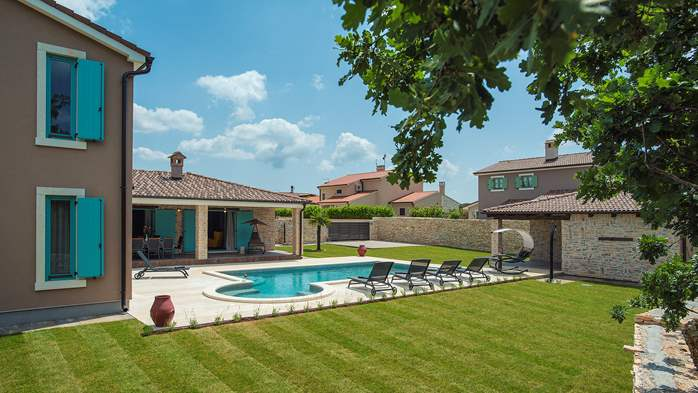 Outstanding villa  with private pool, spacious garden and BBQ, 2