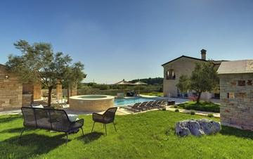 Heavenly villa close to Rovinj, with heated pool, sauna, jacuzzi