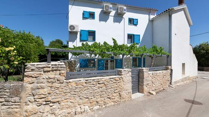 Beautiful renovated house in the center of Medulin, with Jacuzzi, 2