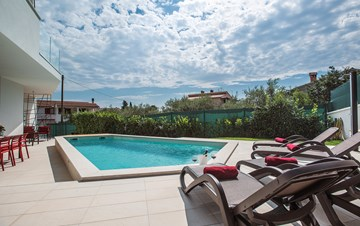 Luxury villa in Štinjan with outdoor pool and two bedrooms, WiFi