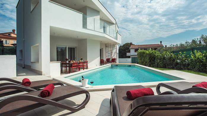 Luxury villa in Štinjan with outdoor pool and two bedrooms, WiFi, 11