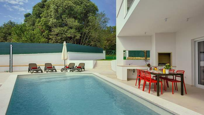 Luxury villa in Štinjan with outdoor pool and two bedrooms, WiFi, 14