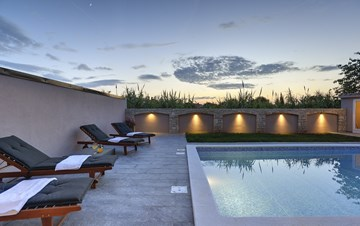 Unique, special villa in Valbandon with outdoor pool