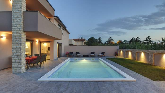 Unique, special villa in Valbandon with outdoor pool, 4
