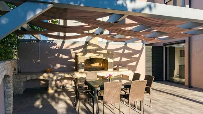 Unique, special villa in Valbandon with outdoor pool, 12