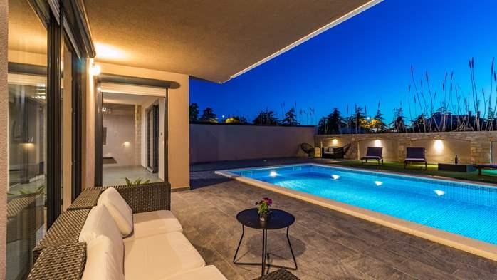 Unique, special villa in Valbandon with outdoor pool, 10